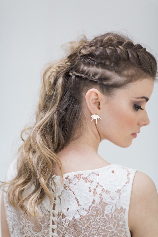 Cool and edgy bridal hairstyle for an alternatice bride - Hair by Cassandra Rizzuto, Photography by Siobhan H Photography #alternativebride #currenttrends #bridalhair #braids.