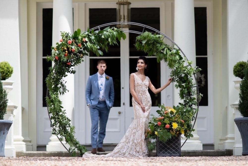 tropical-botanical-floral-wedding-arch