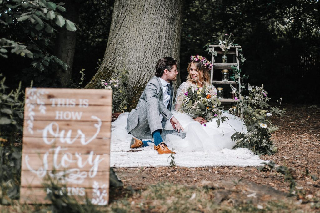 woodland-picnic-wedding