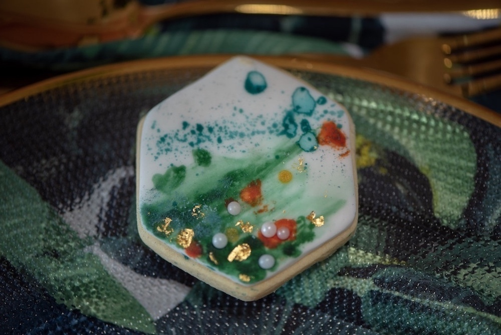 watercolor-geometric-iced-cookie