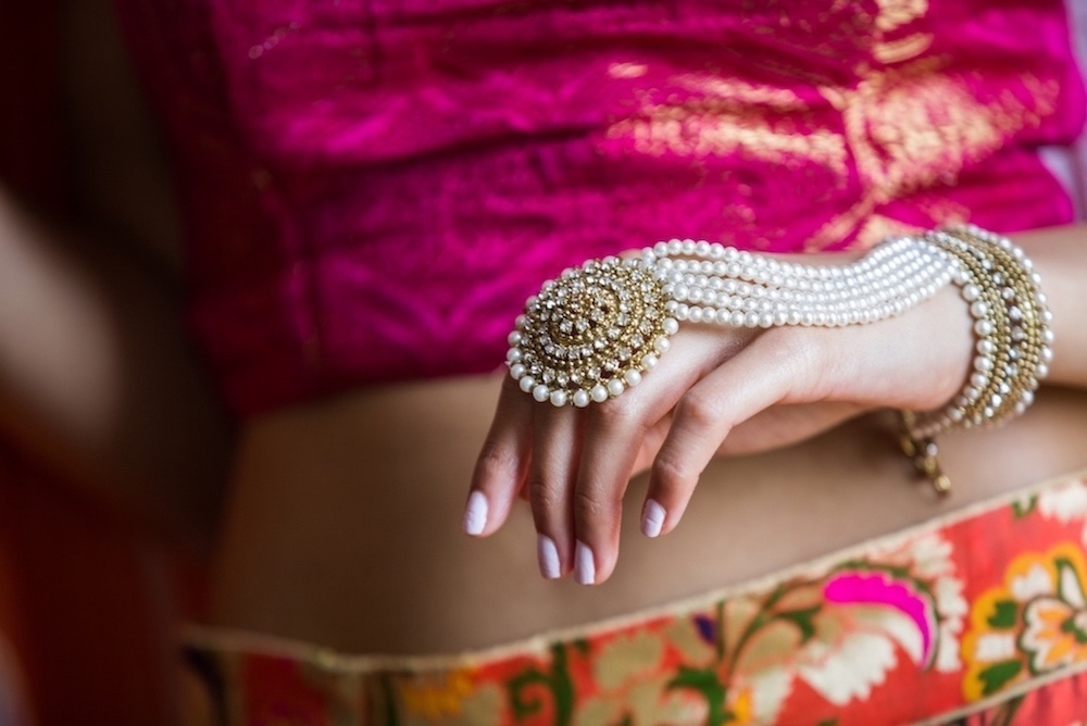 asian-bride-pearl-bracelet