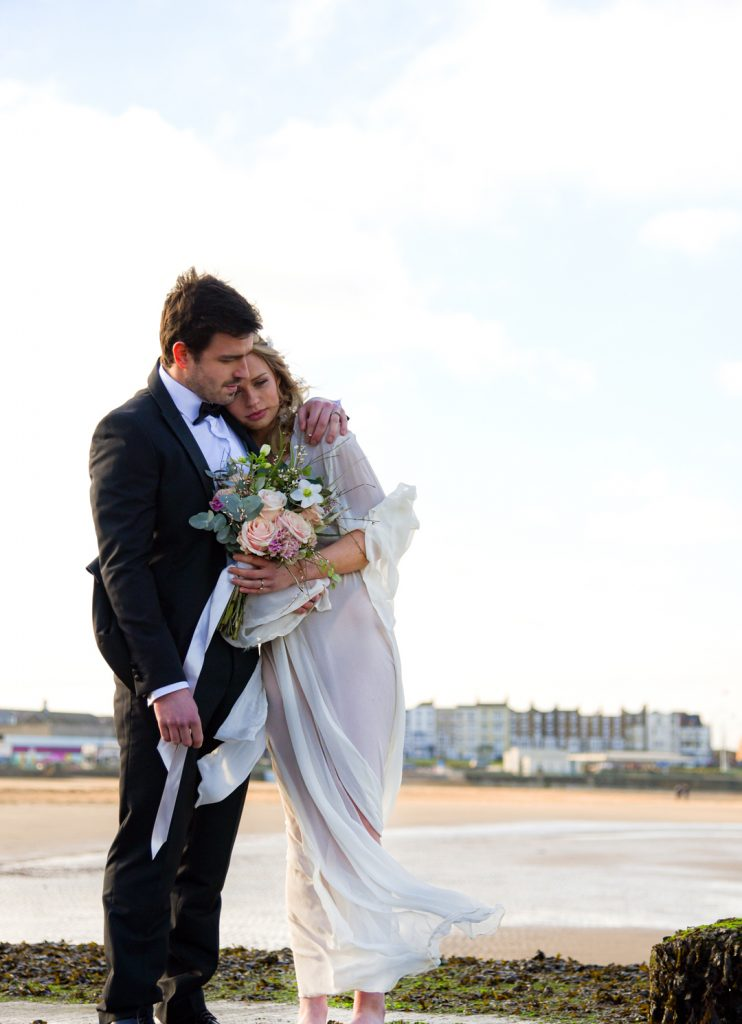 bride-and-groom-margate-beach
