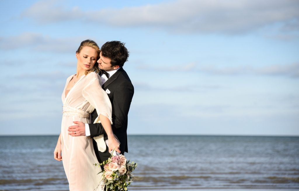 beach-styled-shoot-bride-and-groom