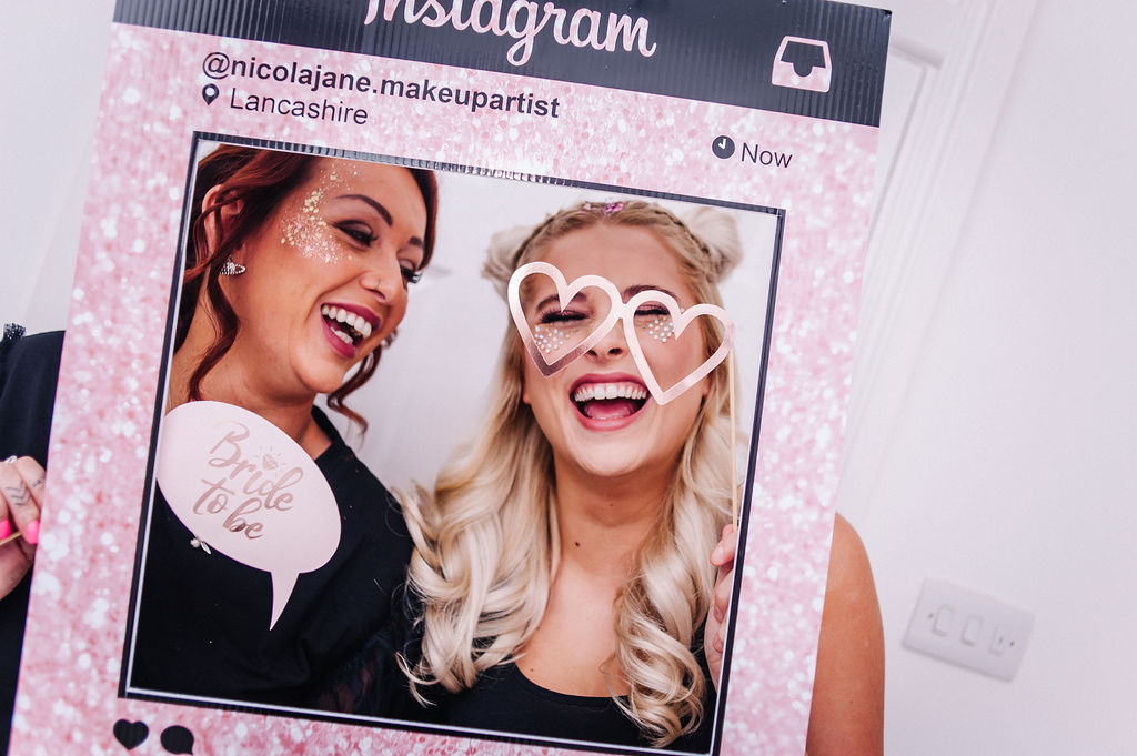 hen-party-photo-booth-glitter-bar