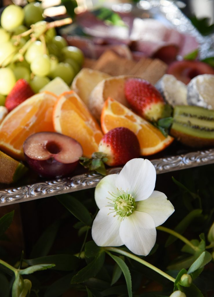 grazing-table-for-beach-wedding