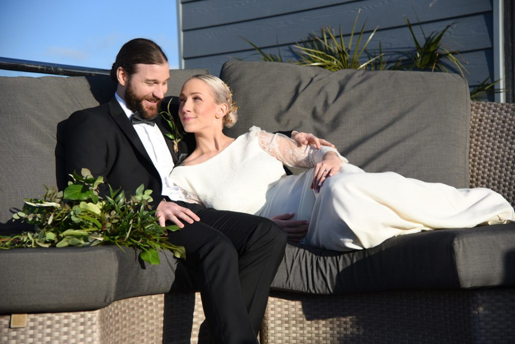 bride-and-groom-sands-hotel-margate