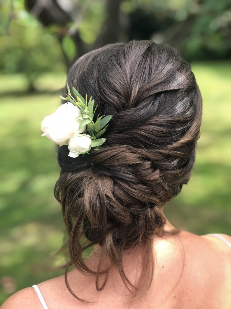 tips-for-wearing-fresh-flowers-in-your-wedding-hairstyle-the-boho-bride-wedding