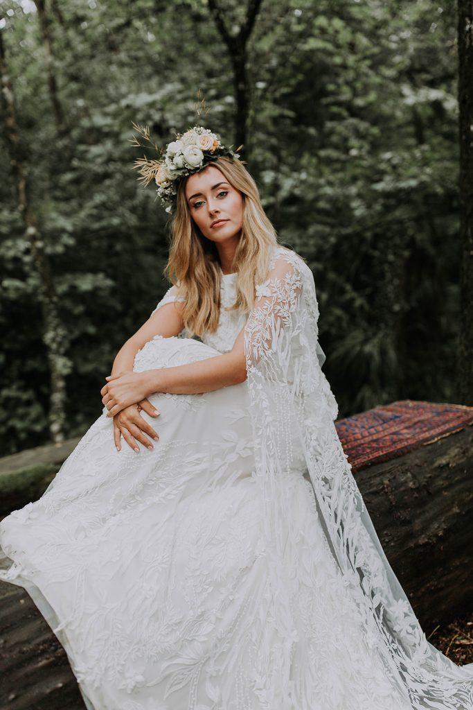 elegant-boho-luxe-forest-bride