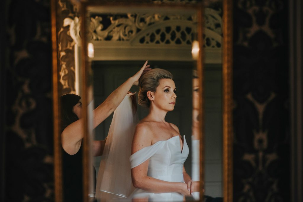 bride-getting-ready-veil