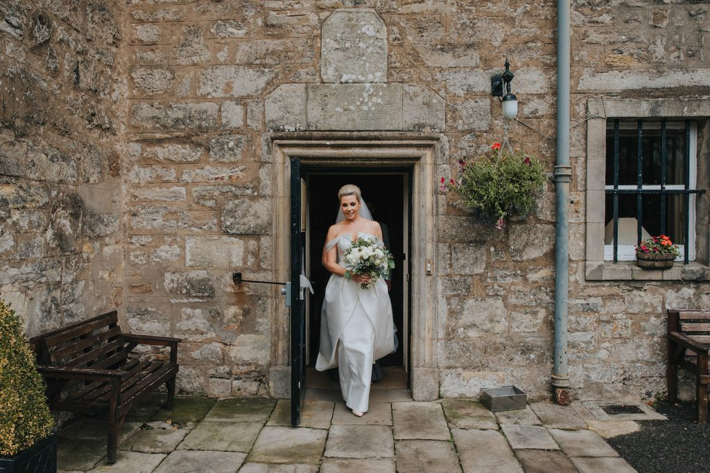 scottish-castle-wedding-bride