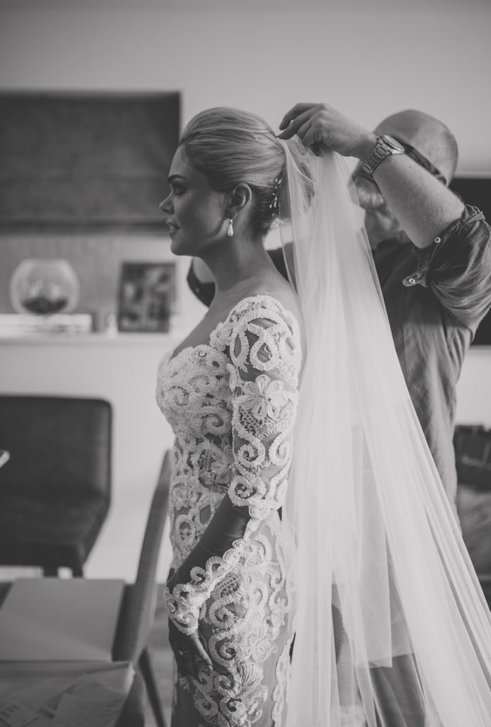 adding-veil-to-bridal-updo