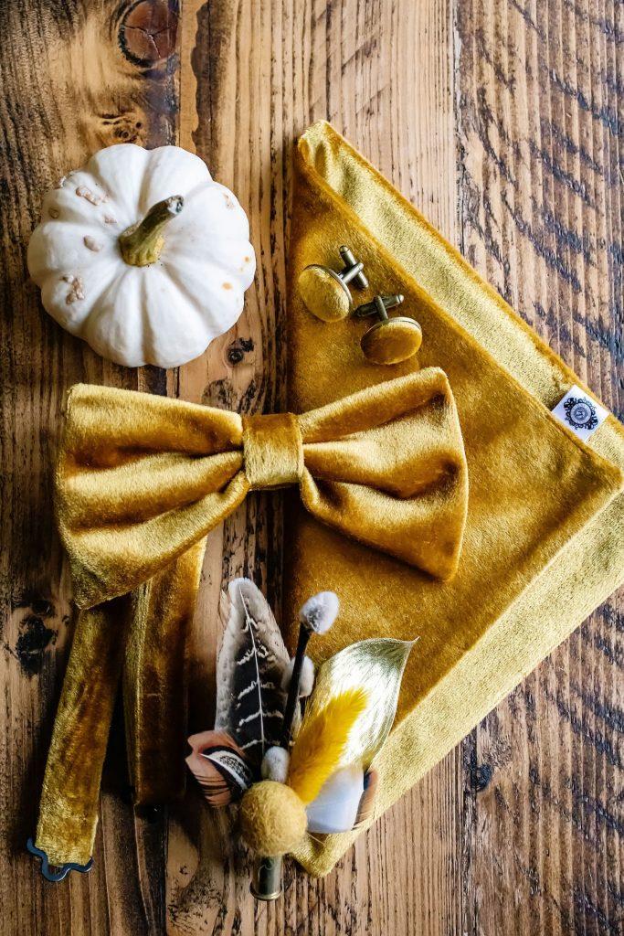 velvet-groom-accessories