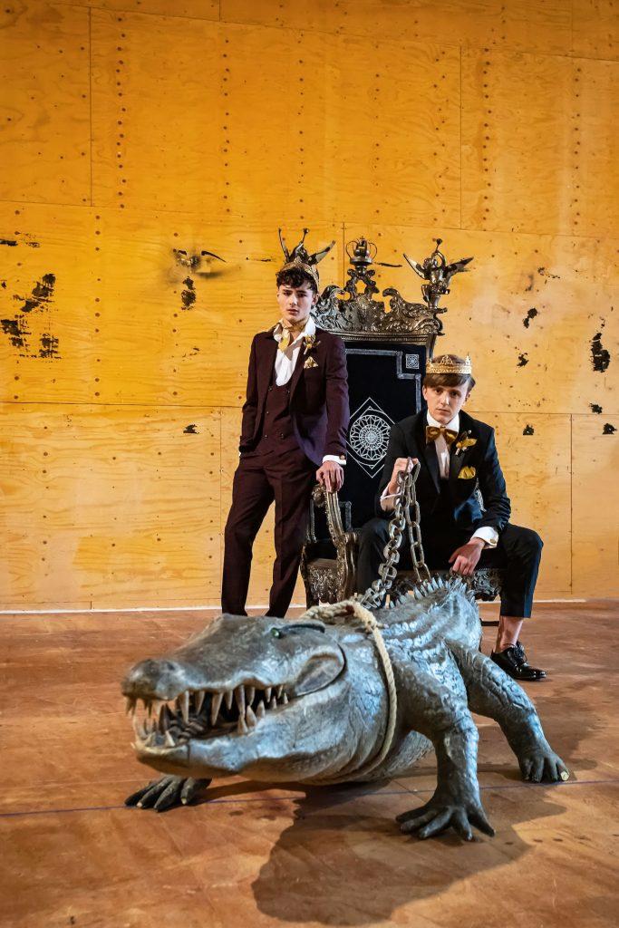 groomsmen-crocodile-prop