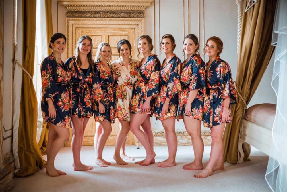 bridesmaids-getting-ready-gosfield-hall