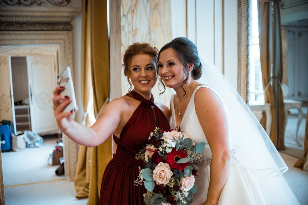 bride-and-bridesmaid-selfie