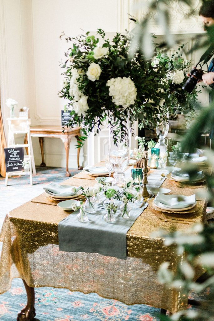 mint-and-gold-wedding-florals