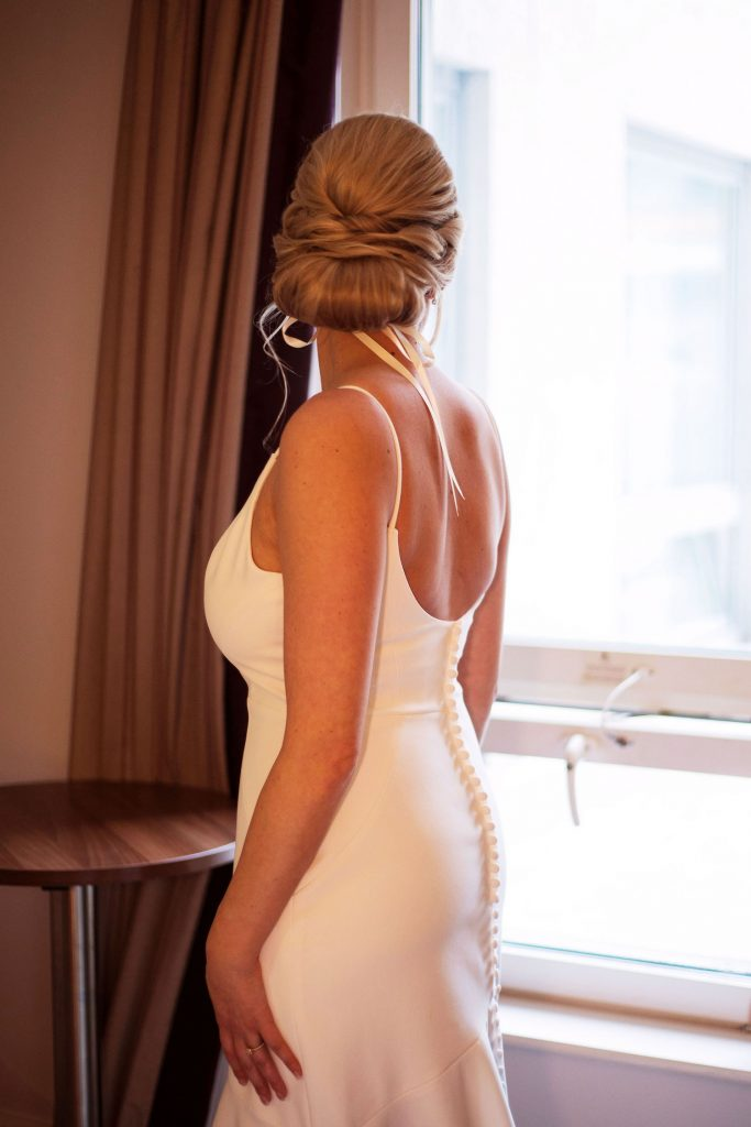 bride-with-chic-low-textured-bun