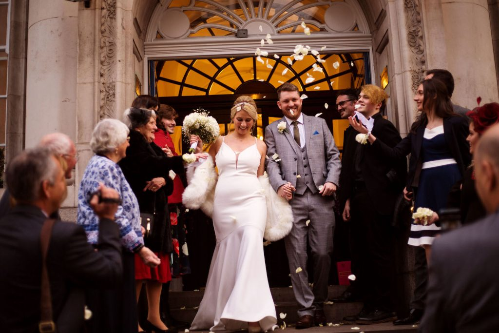 chelsea-old-town-hall-wedding-confetti