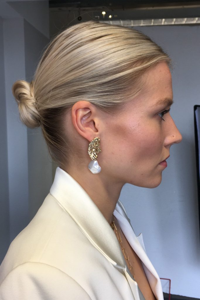 simple wedding hairstyle knotted updo
