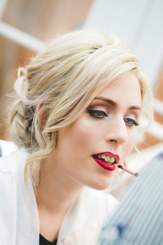 bridal hair and makeup trends for 2021