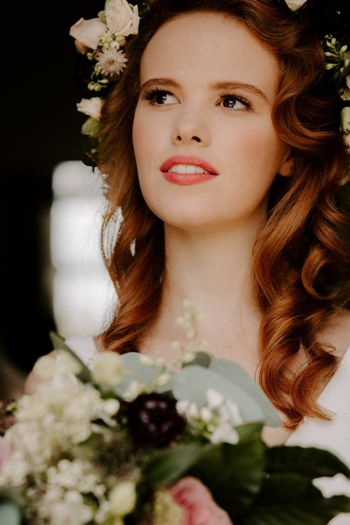 natural makeup with coral lip for classic bride