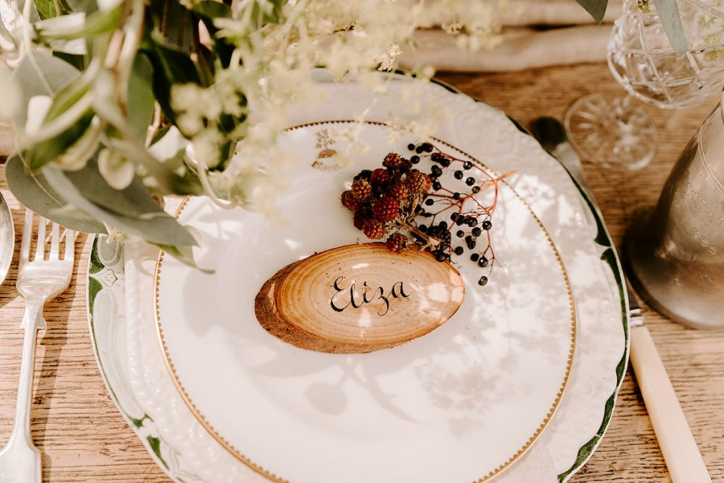 wooden round calligraphy place cards